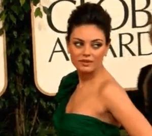 Mila Kunis dévoile sa grossesse et ses fiançailles avec ashton kutcher